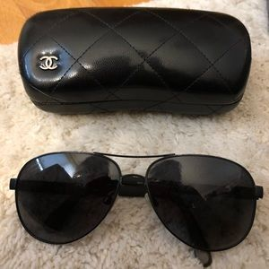 Channel Black Aviators